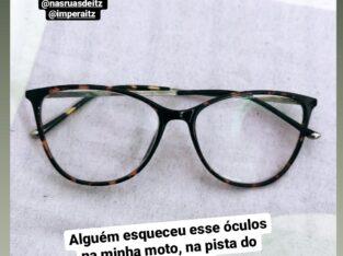 Esqueceram esse Óculos