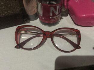 Óculos de grau vermelho