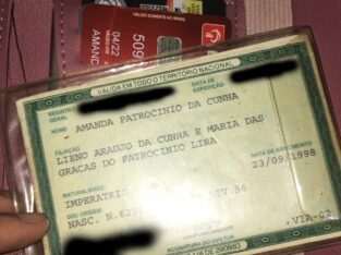 Carteira com documentos e cartões perdidos